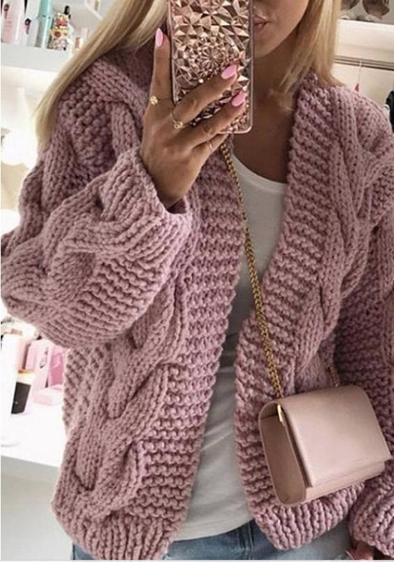 Cardigan rosa para el frío